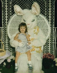 AAAAAAAAAAAAACK!!!!!!!!! The Creepiest Easter Bunny Photos Ever Taken | Happy Place