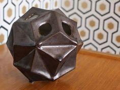 """Un vase géométrique issu de nos recherches. En grès coulé et émaillé de 2 recettes """"maison""""... by Diastem"""