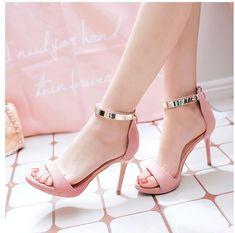 Hot High Heels, Womens High Heels, High Sandals, High Heels For Girls, Black Heels, Stilettos, Stiletto Heels, Frauen In High Heels, Stylish Sandals