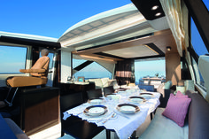 #Azimut 77S - Surround yourself with natural light. The saloon rapidly transforms into a genuine veranda overlooking the #sea. An unparalleled sense of space enriched with air and #natural light. #spacious #Italy #HongKong #AzimutYachts #yacht #Luxuryyacht #Enjoy #sun #cruising
