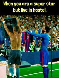 Hanging the laundry Football Comedy, Football Jokes, Soccer Memes, Sports Memes, Football Soccer, Real Madrid, Club, Messi, Ronaldo