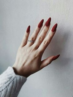 Trendy nail polish colors e. The year 2019 - Trendy nail polish colors e. The year 2019 # nail polish colors - Red Acrylic Nails, Matte Nails, Pink Nails, Acrylic Art, Matte Almond Nails, Elegant Nail Art, Nagel Blog, Almond Shape Nails, Nagel Gel
