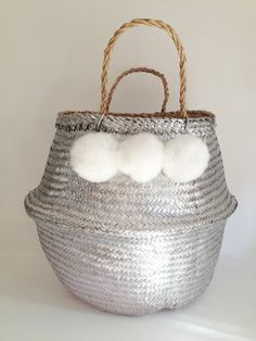 Metallic Silver Seagrass Belly Basket White Faux Fur Pom Pom Christmas Festive Panier Boule