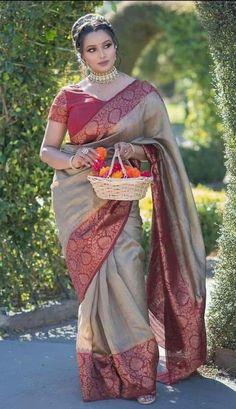 Indian Beauty Saree, Indian Sarees, Girl Photo Poses, Girl Photos, Beautiful Girl Image, Most Beautiful, Stylish Girls Photos, Beautiful Saree, India Beauty