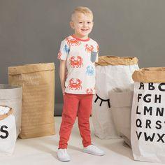 ROCK STAR junior, denim-look, paprika | NOSH verkkokauppa | Kevään lasten uutuusmallistossa leikitellään joutsenien, pesukarhujen ja raitojen iloisessa joukossa. Tilaa tuotteet NOSH edustajalta tai verkosta nosh.fi/lapset (This collection is available only in Finland but you can shop these wonderful fabrics online en.nosh.fi)
