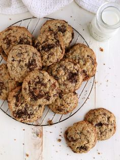 Flourless Oatmeal Chocolate Chunk Cookies - Completely Delicious - These chewy oatmeal cookies with chocolate chunks are completely flourless and incredibly addictive - Espresso Cake Recipe, Chocolate Chunk Cookie Recipe, Oatmeal Cookie Recipes, Flourless Oatmeal Cookies, Flourless Desserts, Recipes With Whipping Cream, Cream Recipes, Quiche, Simply Recipes