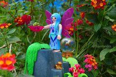 @playmobil #fairy #fate #fee #nature #naturaleza #flowers #fiori #flores #blumen #lantana #landscape #stone #saphire #esfera #magia #magic #playmobil #sharethesmile #toy #juguete #frog #sapo #harvest #doll