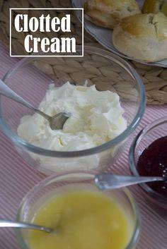 Clotted Cream – recipe for clotted cream, delicious on scones with high tea. Tea Recipes, Sweet Recipes, Cake Recipes, Clotted Cream Recipes, Tee Sandwiches, High Tea Food, Scones, Second Breakfast, Cream Tea