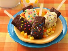 Brownies on a Stick--how cool is this? I have never, in my 53 years of short life, known this recipe existed! haha. So guess what kids? I'm going to make these asap!!!!