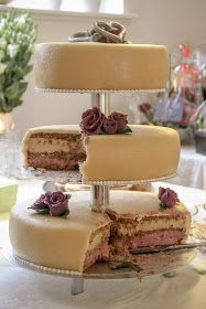 Wedding Cake Rustic, Fall Wedding Cakes, How To Make Cake, Food To Make, Pastry Cake, Food Cakes, Fall Desserts, Fabulous Foods, Sweet Bread