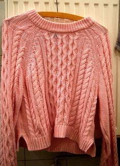 Kup mój przedmiot na #vintedpl http://www.vinted.pl/damska-odziez/bluzy-i-swetry-inne/11856468-sweter-roz-hm-xs-s