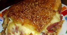 ·   Φίλοι μου έφτιαξα μια τέλεια σπέσιαλ πίτσα σκεπαστή που θα γλείφετε τα δάχτυλα σας!!   Τα υλικά μας είναι:  1ετοιμο φύλλο σφολιάτας... Food And Drink, Cooking Recipes, Breakfast, Quote, Morning Coffee, Quotation, Chef Recipes, Qoutes
