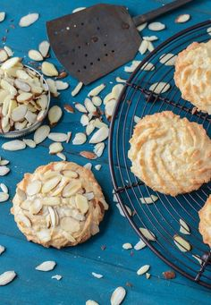 Ultimate Almond Cookies via . I would honestly take almond desserts over chocolate if I had to choose. These look amazing. part marzipan, part cookie. Greek Sweets, Greek Desserts, Cookie Desserts, Cookie Recipes, Dessert Recipes, Jar Recipes, Cookie Bars, Almond Cookies, Yummy Cookies