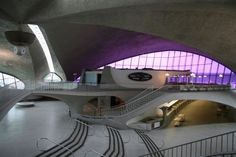 1962 TWA Terminal @ John F. Kennedy airport in New York by Eero Saarinen - A shell structure can carry loads equally in all directions and therefore erase the distinction between load and support. Twa Flight Center, Kennedy Airport, Shell Structure, Concrete Architecture, Interesting Buildings, Googie, Jfk, Hot Springs, Futuristic