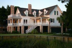 shore house, lake house yes please.
