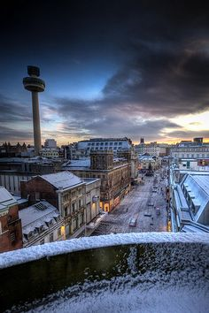It's oh so quiet . by alan cookson. Liverpool - my favourite city in the whole world. Liverpool City Centre, Liverpool History, Liverpool Home, Liverpool England, Great Britain, Places To See, United Kingdom, Around The Worlds, Women's Cycling