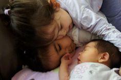 Los celos en los niños son un proceso normal, pero que suele preocupar a los padres, quienes en su mayoría no saben cómo manejarlos