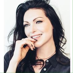 Orange is the New Black — Laura Prepon photographed by Ray Kachatorian,. Alex Vause, Laura Prepon, That 70s Show, Pretty People, Beautiful People, Beautiful Women, Calliope Torres, Alex And Piper, Lgbt