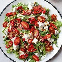 Sałatki z pomidorkami koktajlowymi i papryczką chili | Blog | Kwestia Smaku Healthy Cooking, Healthy Eating, Cooking Recipes, Healthy Recipes, Fancy Salads, Vegan Cafe, Best Food Ever, Chili, Food Inspiration