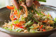 Meat-free dinners for World Vegetarian Month - Eat Well (formerly Bite) Vegetarian Dinners, Vegetarian Recipes, Cooking Recipes, Healthy Recipes, Healthy Food, Vegan Meals, Thai Green Papaya Salad, Papaya Salat, Rezepte