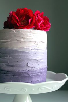 Purple ombre cake... Sometimes a very simple technique can be beautiful and elegant.