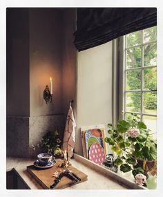 "43 gilla-markeringar, 3 kommentarer - Marie-Louise Sjögren (@marielouise_sjogren_design) på Instagram: ""Summer evenings are best spent in the kitchen, chatting while hubby cooking  #interior…"""