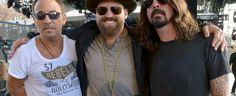 Dave Grohl e Bruce Springsteen cantam para os veteranos de guerra