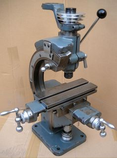 Nora Milling Machine - made by A. Nothelfer & Söhne, at Ravensburg in southern Germany. Metal Lathe Tools, Metal Lathe Projects, Metal Fabrication Tools, Metal Bending Tools, Welding Projects, Vertical Milling Machine, Lathe Machine, Machine Tools, Metal Working Machines