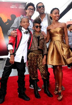 Will and Jada alone, great; Will and Jada with their kids, sickening. Will Smith And Family, All In The Family, Famous Celebrities, Celebs, Famous Men, Famous People, Beautiful Family, Beautiful People, Willow Smith