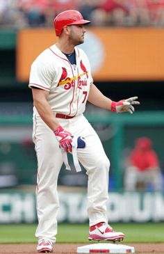 Matt Holliday acknowledges the fans after hitting a double in the first inning of a game against the Cincinnati Reds. Cards won 5-2. 4-18-15