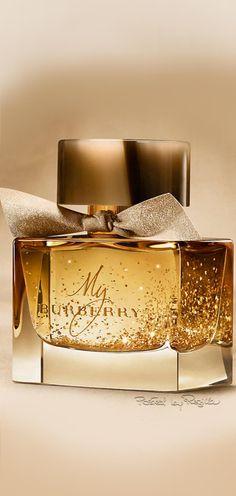 Regilla ⚜ Una Fiorentina in Kalifornien - Parfums Perfume Scents, Perfume Bottles, Perfume Making, Cosmetics & Perfume, Beautiful Perfume, Perfume Collection, Best Perfume, Body Spray, Smell Good