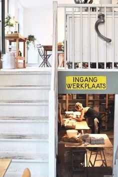 Amsterdam bakery and coffeespot Het wilde brood czaar peterstraat werkplaats