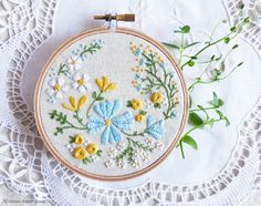 Hand Embroidery Kit, Embroidery Hoop Art, Christmas idea - Blossoming Garden - Diy Kit, Broderie, Hoop Art, Tamar, Modern Hand Embroidery by TamarNahirYanai on Etsy https://www.etsy.com/ie/listing/275997438/hand-embroidery-kit-embroidery-hoop-art