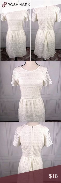 Free People Sz 8 Off White Lace Dress Free People Sz 8 Ivory Off White Lace Short Sleeve Lined Dress  Very good used condition  See pictures for additional details, flaws (if any), fabric content, cleaning instructions and measurements.  Thank you for looking at my store! Free People Dresses