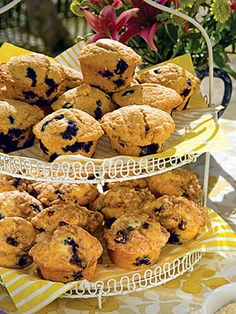 In a small bowl, combine sugar, flour, and cinnamon. Using a pastry blender, cut in butter until mixture is crumbly.