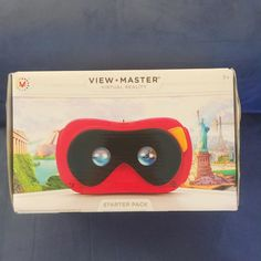 An awesome Virtual Reality pic! Bought myself a new toy today!  #nothingisordinary #nothingisordinary_ #yourdailysnap #viewmaster #virtualreality #vr #mattel #cardboard #googlecardboard by tassiedad check us out: http://bit.ly/1KyLetq