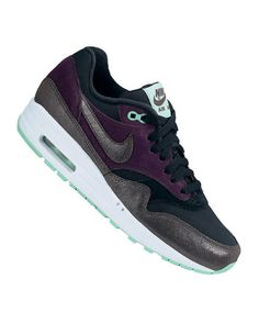 huge selection of f101d d84ee NIKE Air Max 1 Essential