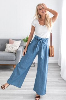 Clothes, Shoes and Accessories denim pants Ivan Paperbag Denim Pant – Liam & Company. Gaucho Pants Outfit, Denim Pants Outfit, Summer Pants Outfits, Casual Outfits, Fashion Outfits, Denim Culottes Outfits, Wide Leg Pants Outfit Summer, Looks Kate Middleton, Hot Pants