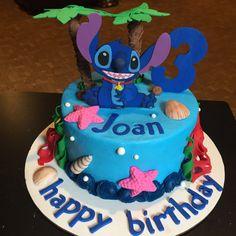 Stitch Cake 🌴🐚
