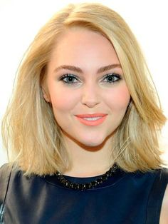 Anna Sophia Robb haircut