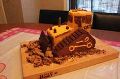 bulldozer cake with DIY instructions. Looks fairly easy! #DIYbirthday
