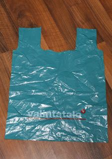 PamPau: Kauppakassin ompeluohje Purses, Sewing, Crafts, Bags, Craft Ideas, Diy, Handbags, Handbags, Dressmaking