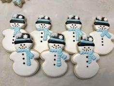 Snowman Cookies Light Blue and White Snowman Cookies, Christmas Sugar Cookies, Christmas Sweets, Holiday Cookies, Christmas Baking, Snowflake Cookies, Iced Cookies, Cookies Et Biscuits, Cookies Light