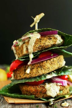 HEALTHY, simple Baked Falafel Burgers make a filling, #vegan #glutenfree meal