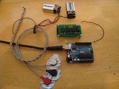 DIY Muscle Sensor / EMG Circuit for a Microcontroller