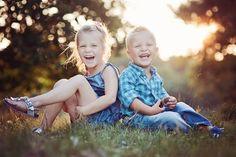 Happy kids! © www.ruudC.nl  Pregnancy - newborn - baby - kids - photoshoot - photography - outdoors - sunset