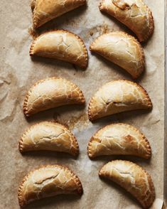 Hatch green chili and cheese empanadas Hatch Green Chili Recipe, Green Chili Recipes, Hatch Chili, Mexican Food Recipes, Snack Recipes, Yummy Recipes, Mexican Dinners, Green Chilli, Meatless Recipes