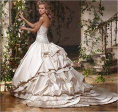 Love this dress!! 2011 Wedding Dress Trend: Big Ball Gowns, Endless Volume | OneWed