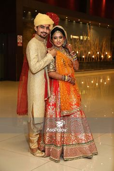 Indian Wedding Couple Photography, Wedding Couple Photos, Couple Photography Poses, Bridal Photography, Wedding Couples, Indian Bridal Photos, Indian Wedding Poses, Indian Wedding Receptions, Wedding Girl