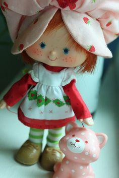 Strawberry Shortcake & Custard the Cat